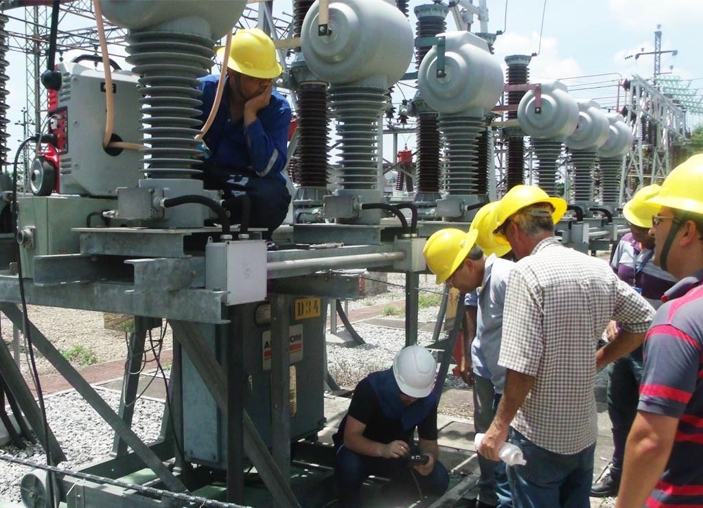 SMC Raptor testing a current transformer